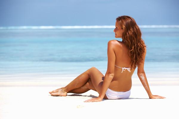 Стоит ли рисковать, загорая в солярии или на открытом солнце при наличии миомы, и насколько это опасно?..