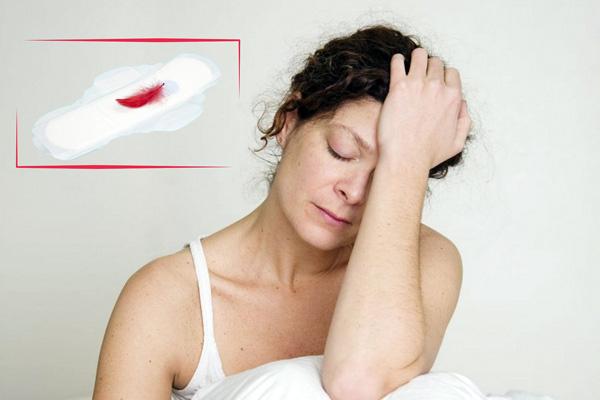 Выделения при менопаузе - опасный симптом, требующий консультации врача