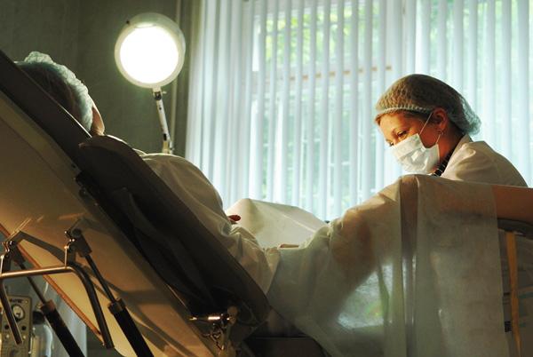 Бимануальное исследование органов малого таза