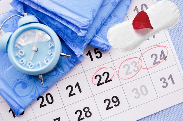 Сбой менструального цикла может быть первым признаком наличия функциональной кисты яичника