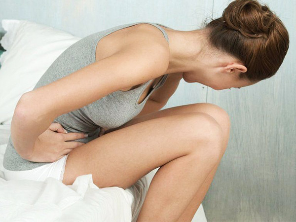 Боли внизу живота при осложнениях кисты