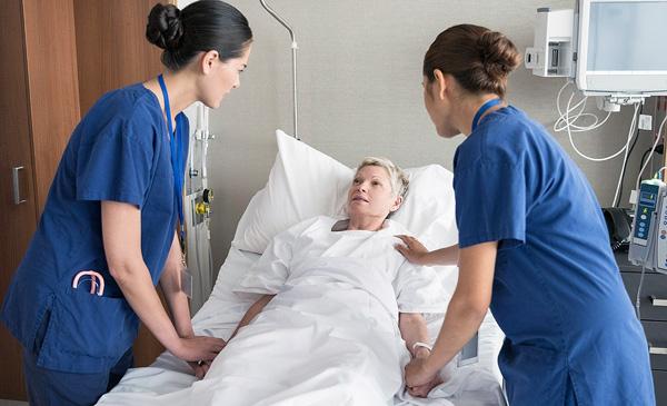 Наблюдение врачей после пункции кисты в стационаре