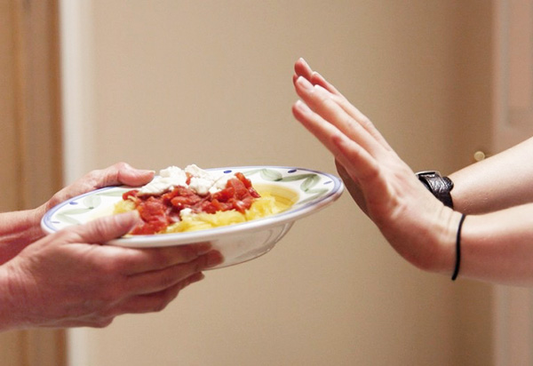 Отказ о пищи перед операцией и в первые сутки после вмешательства
