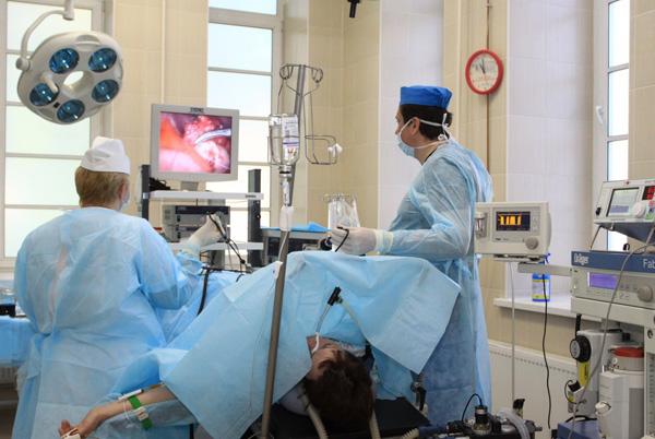 Лечение кисты хирургическим путем