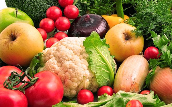 Свежие овощи и фрукты при эндометриозе