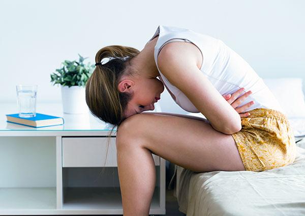 Разбираемся, какие особенности имеет хроническая тазовая боль при эндометриозе и как можно с ней справиться...